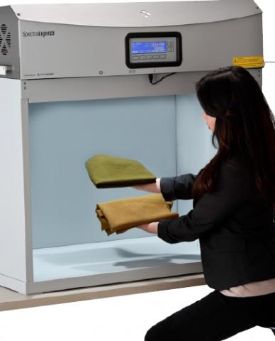Cabina de evaluare a culorii SpectralLight QC
